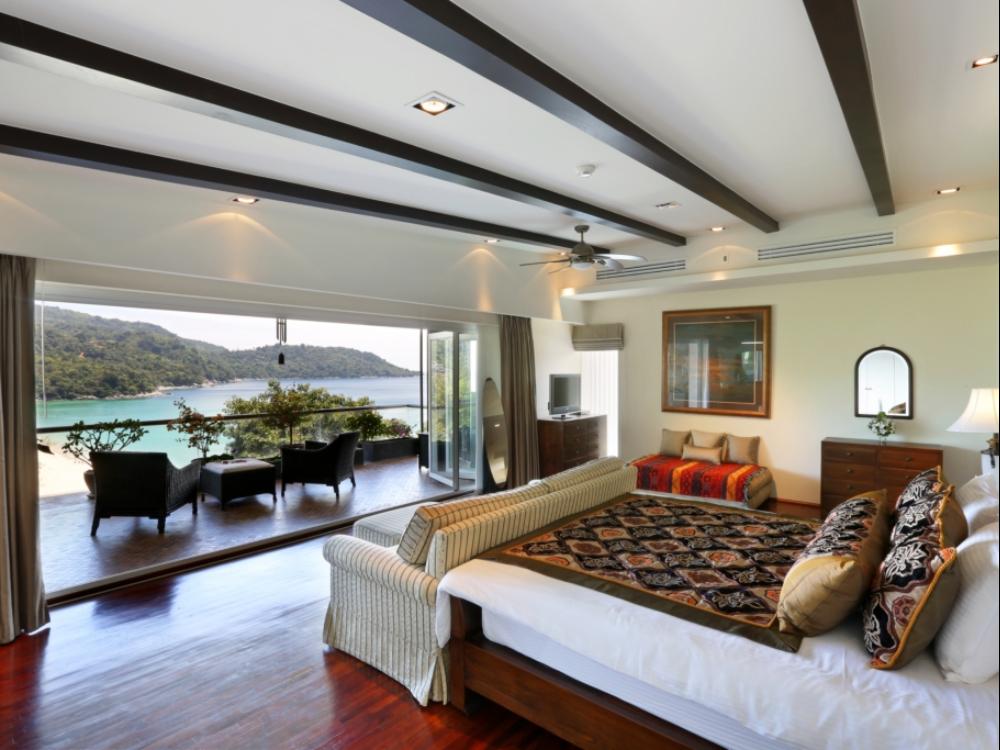 5 BEDROOM BREATHTAKING OCEAN VIEW VILLA IN KATA – KAT07