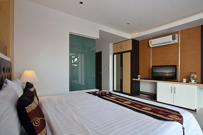 4 Bedroom Ocean View Pool Villa for Rent in Kata – kat36