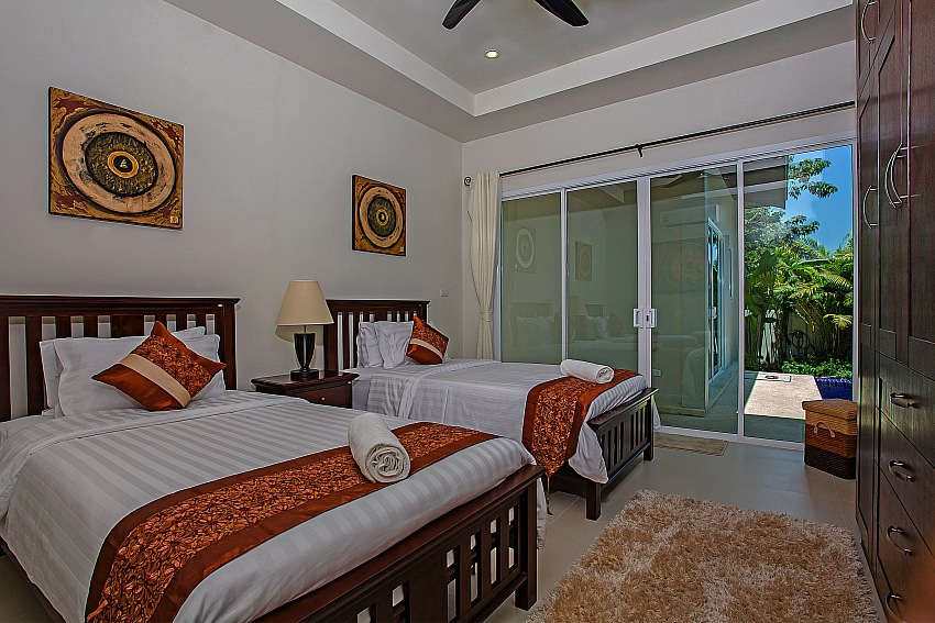5 Bedroom Luxury Villa for Rent in Naiharn – nai56